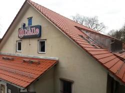 helfen kostet nix dachrenovierung die halle reichenbach. Black Bedroom Furniture Sets. Home Design Ideas